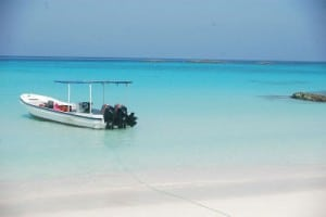 Another alternative to relaxing on a secluded beach are private excursions by speed boat.